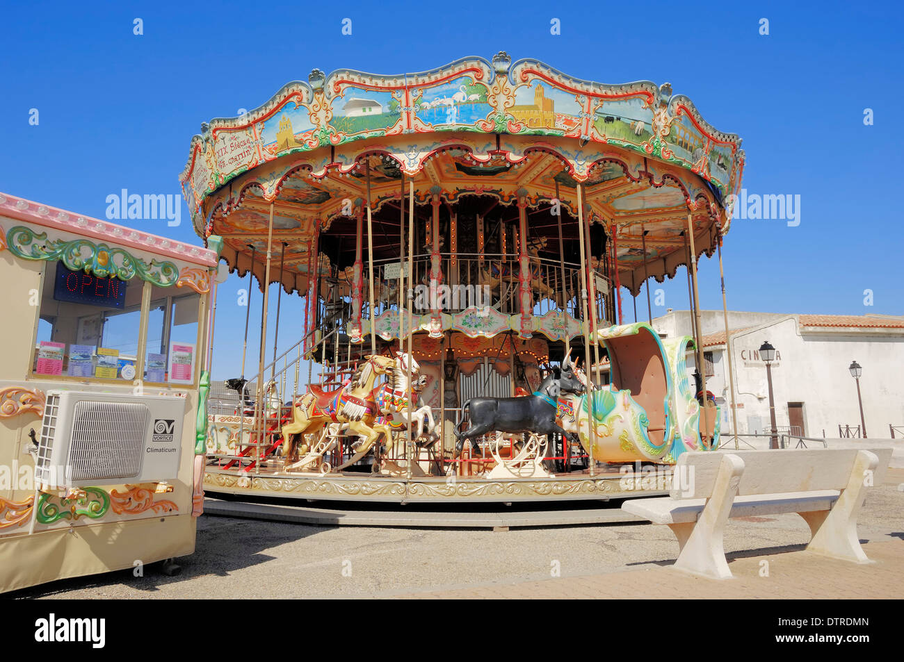 carrousel les saintes maries de la mer camargue bouches du rhone stock photo royalty free. Black Bedroom Furniture Sets. Home Design Ideas