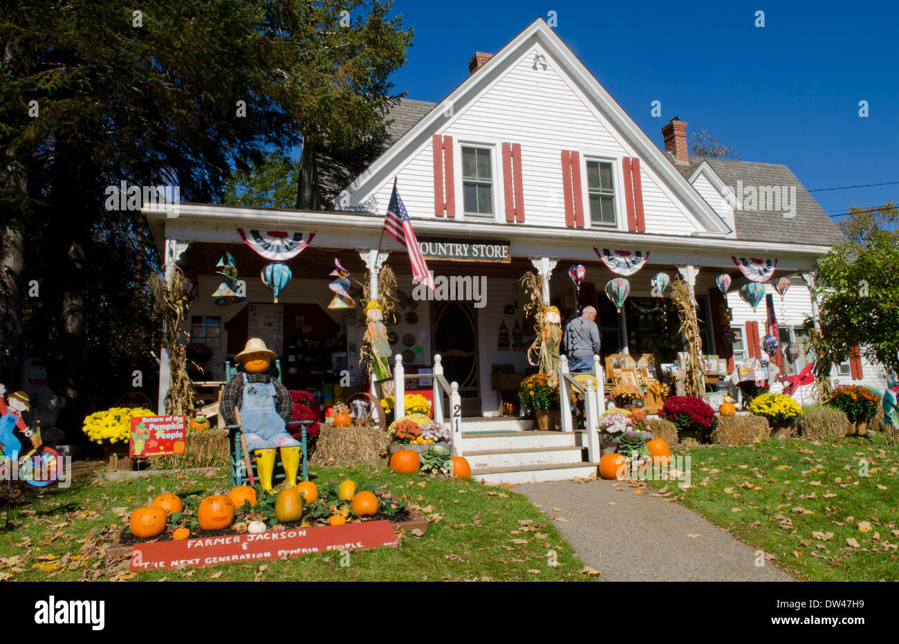 jackson new hampshire pumpkins for halloween in northern new england at flossies country store in fall - Halloween New Hampshire