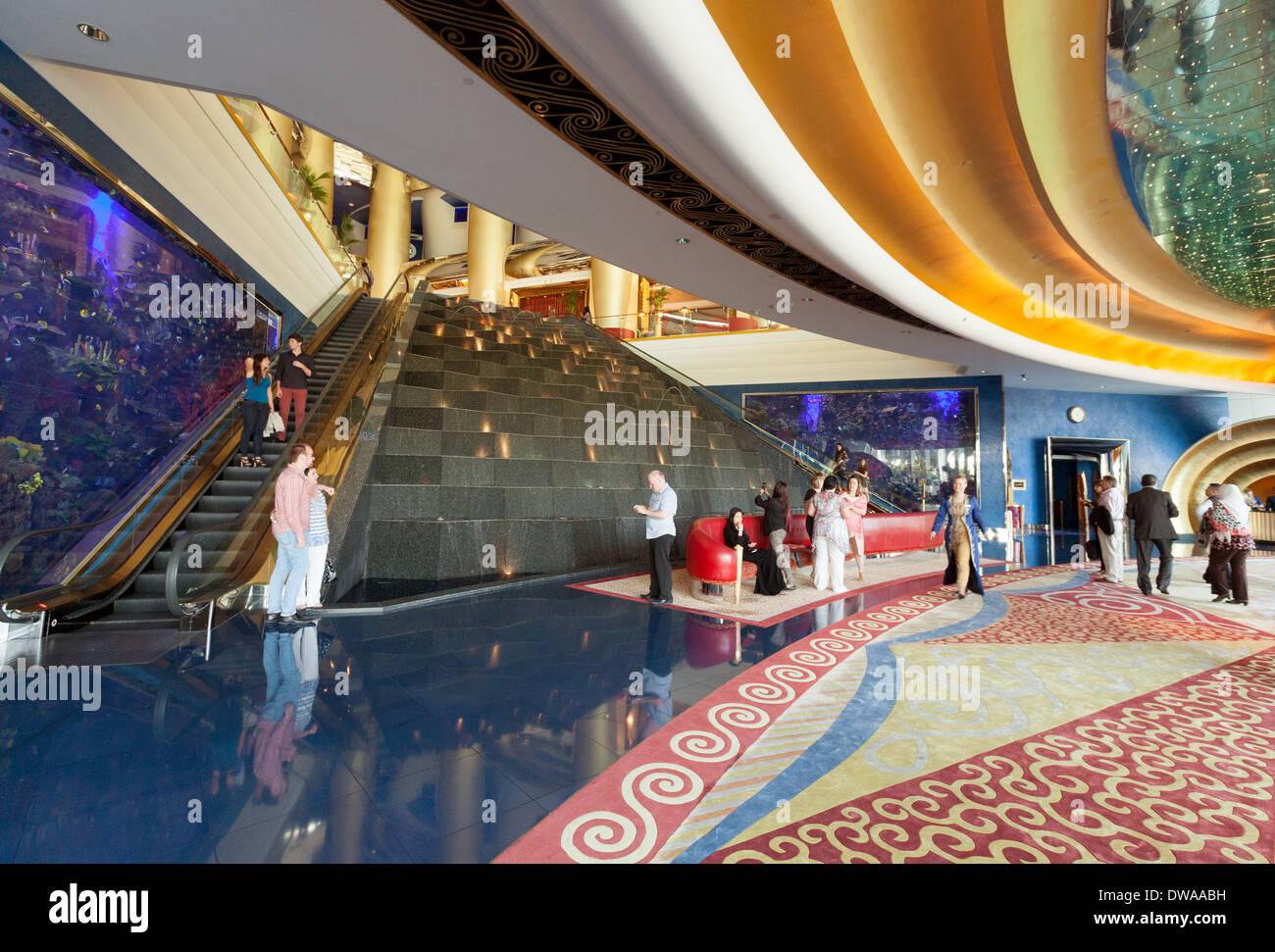 Burj al arab hotel dubai ornate 7 star luxurious for Dubai hotels 7 star interior