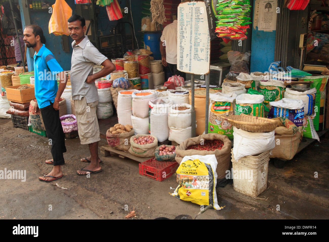 Sri lanka colombo pettah market food people street for Pettah market colombo