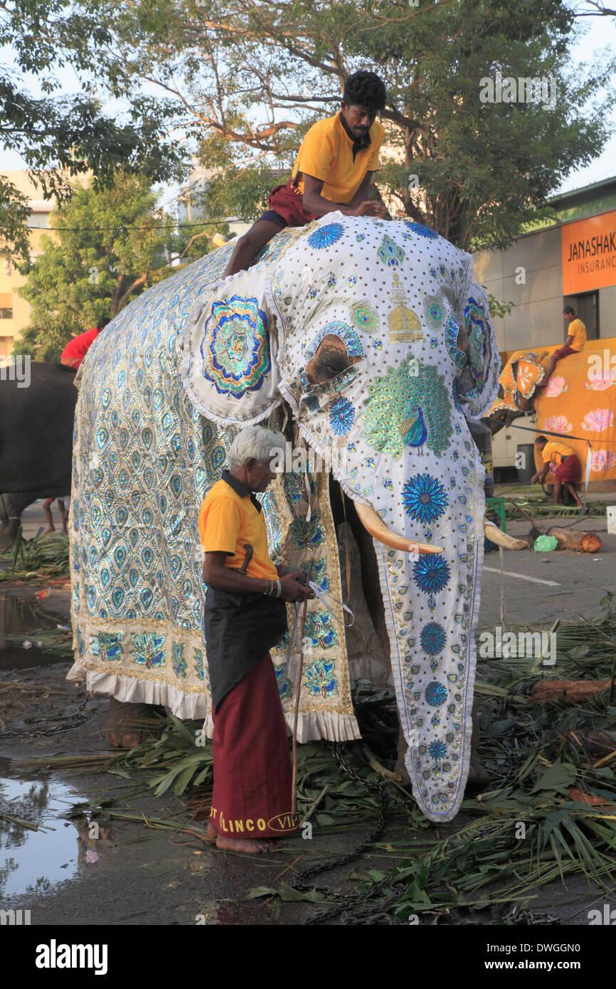 Sri Lanka; Colombo, Navam Perahera, buddhist festival ...