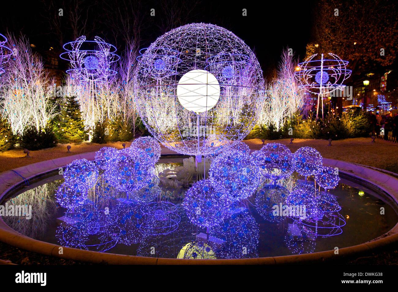 Christmas decorations avenue des champs elysees paris for Parisian christmas decorations home