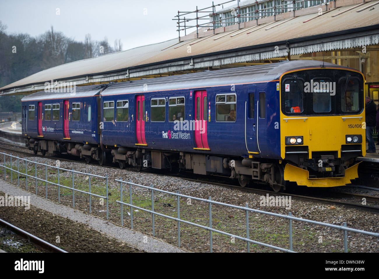 A First Great Western train at Bath Spa station Stock Photo ...