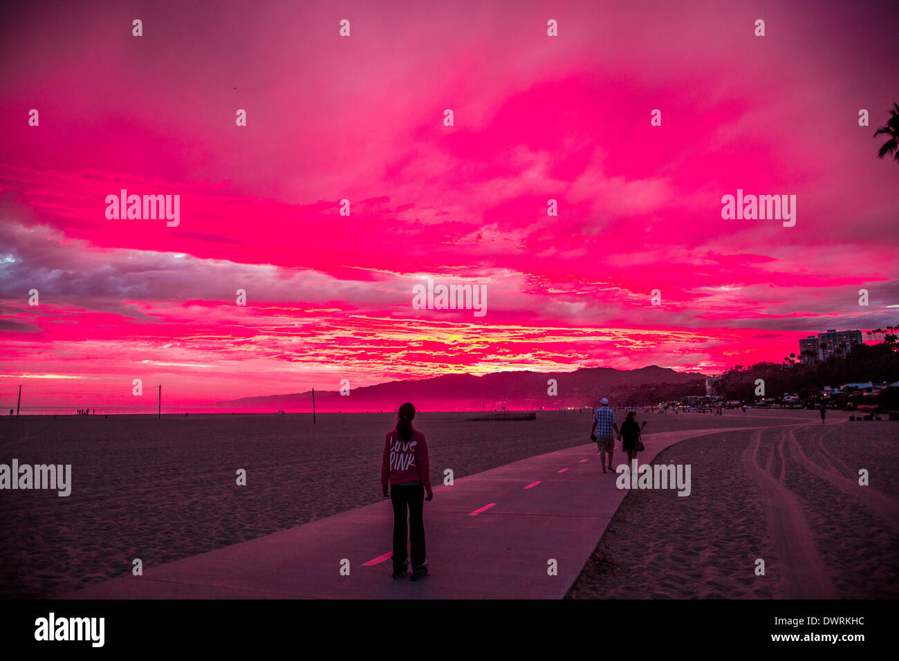 a-spectacular-red-sunset-at-the-beach-in