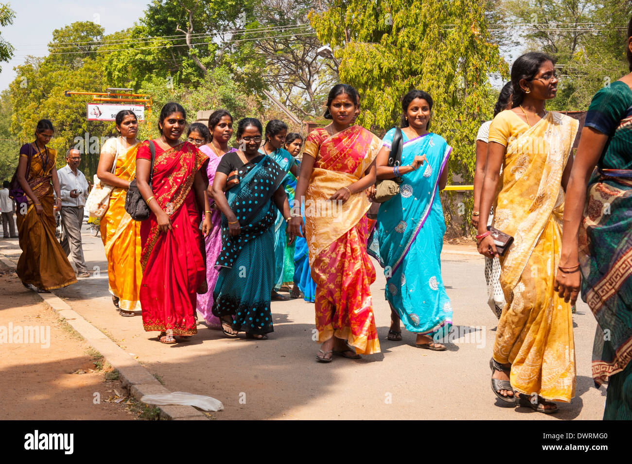Free chat with women in Tamil nadu