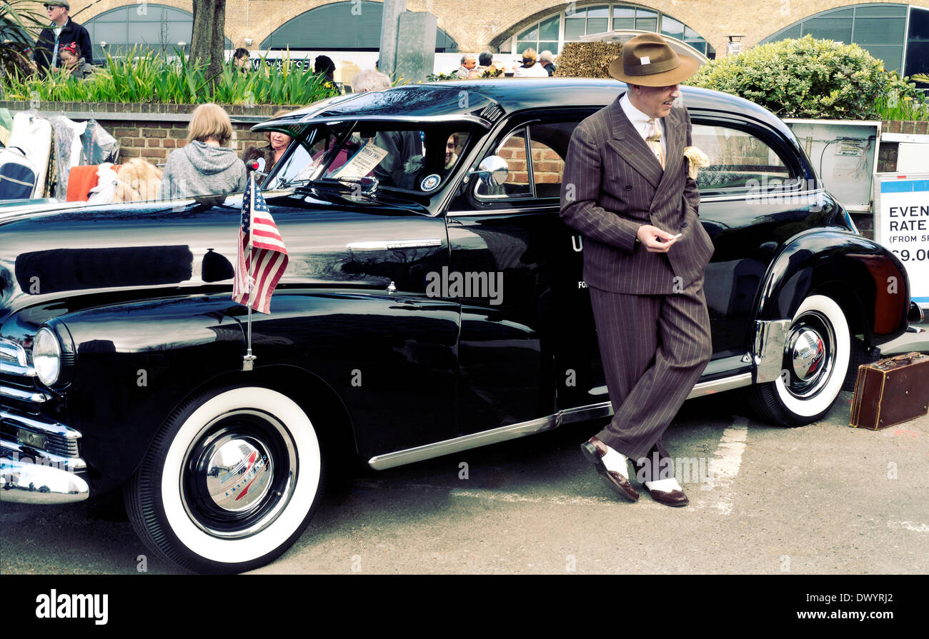 London, UK. 15th Mar, 2014. Classic car boot sale, South Bank ...