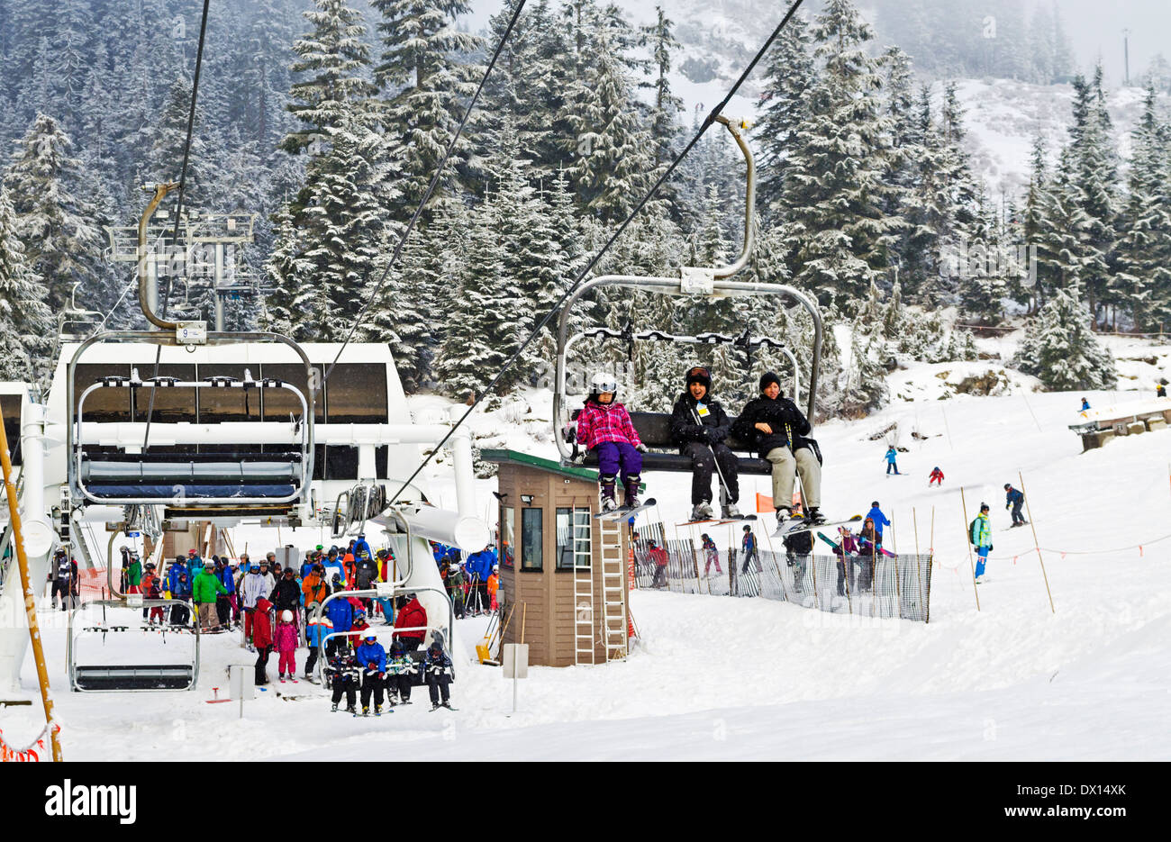 skiiers-on-the-ski-lift-on-grouse-mounta