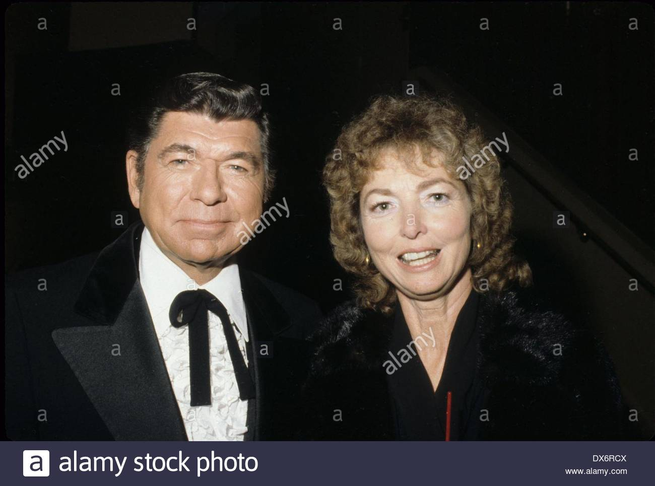 claude akins net worth