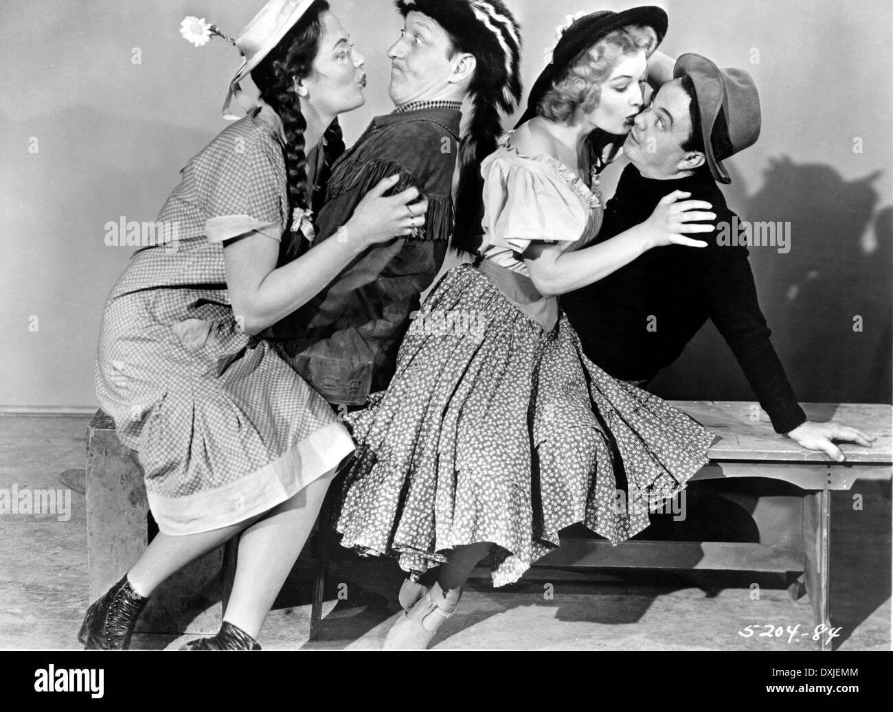 FEUDIN' FOOLS (US1952) DOROTHY FORD, HUNTZ HALL, ANNE ...