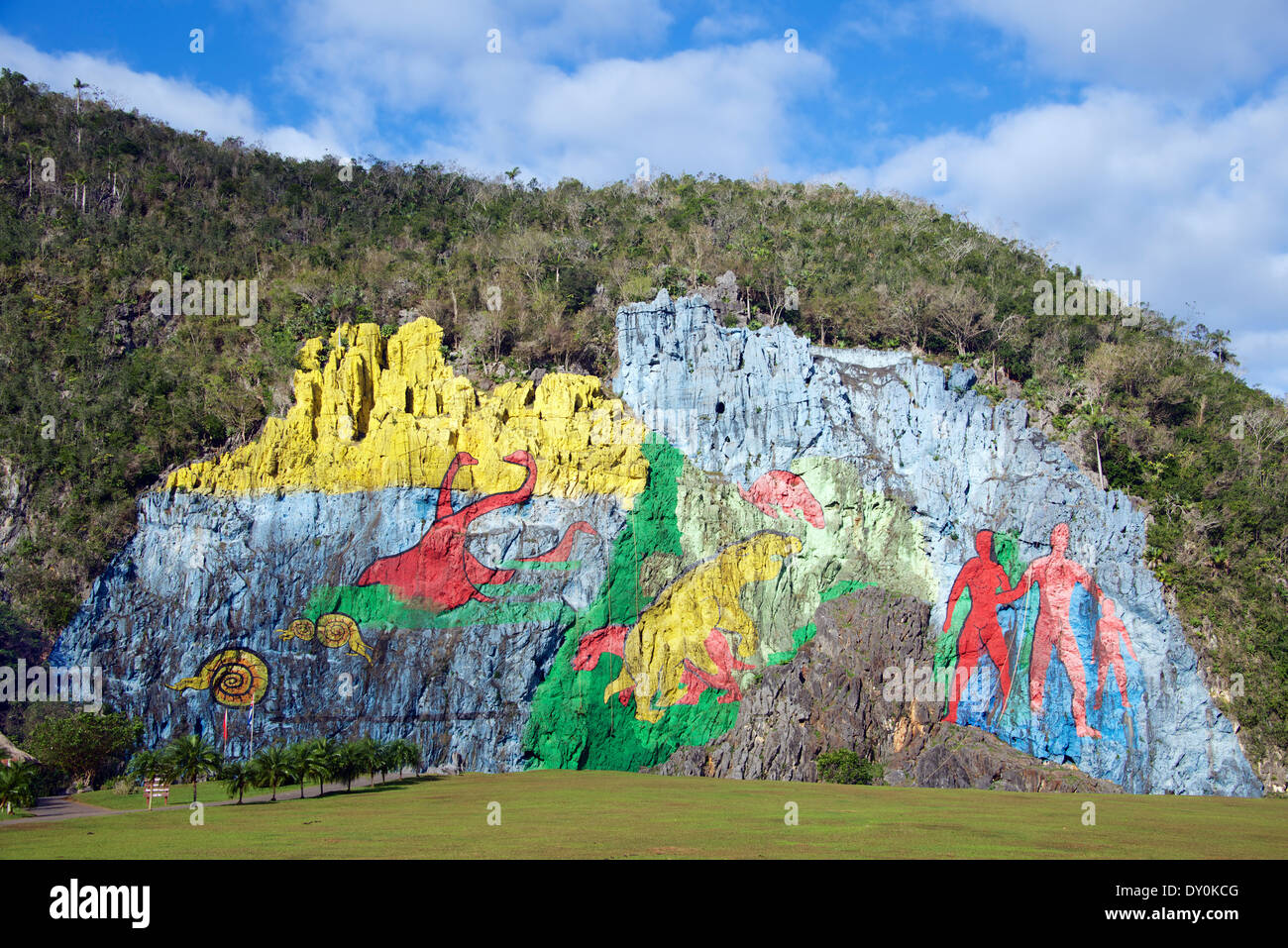 mural de la prehistoria vinales valley cuba stock photo