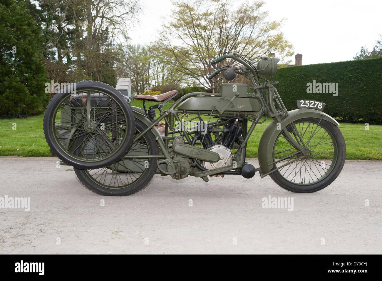 1917 Vickers Clyno Com...