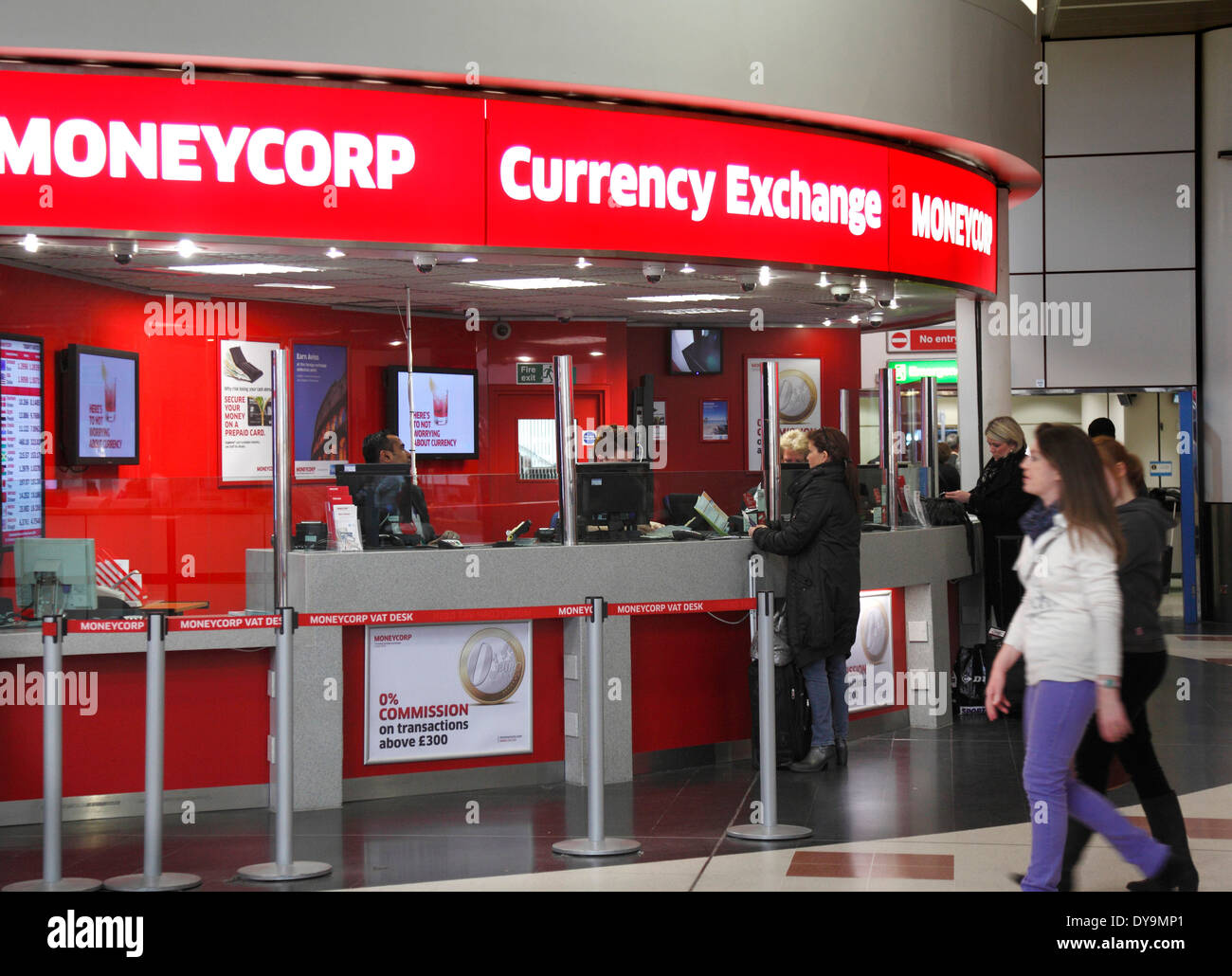 currency exchange bureau at gatwick airport stock photo. Black Bedroom Furniture Sets. Home Design Ideas