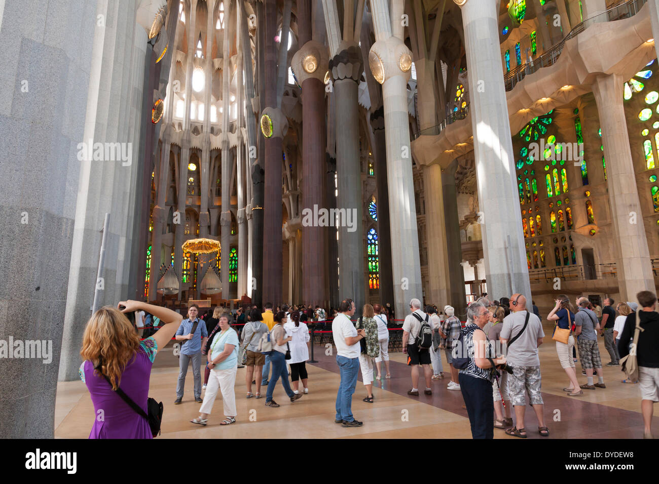 Tourists inside la sagrada familia cathedral in barcelona for La sagrada familia inside