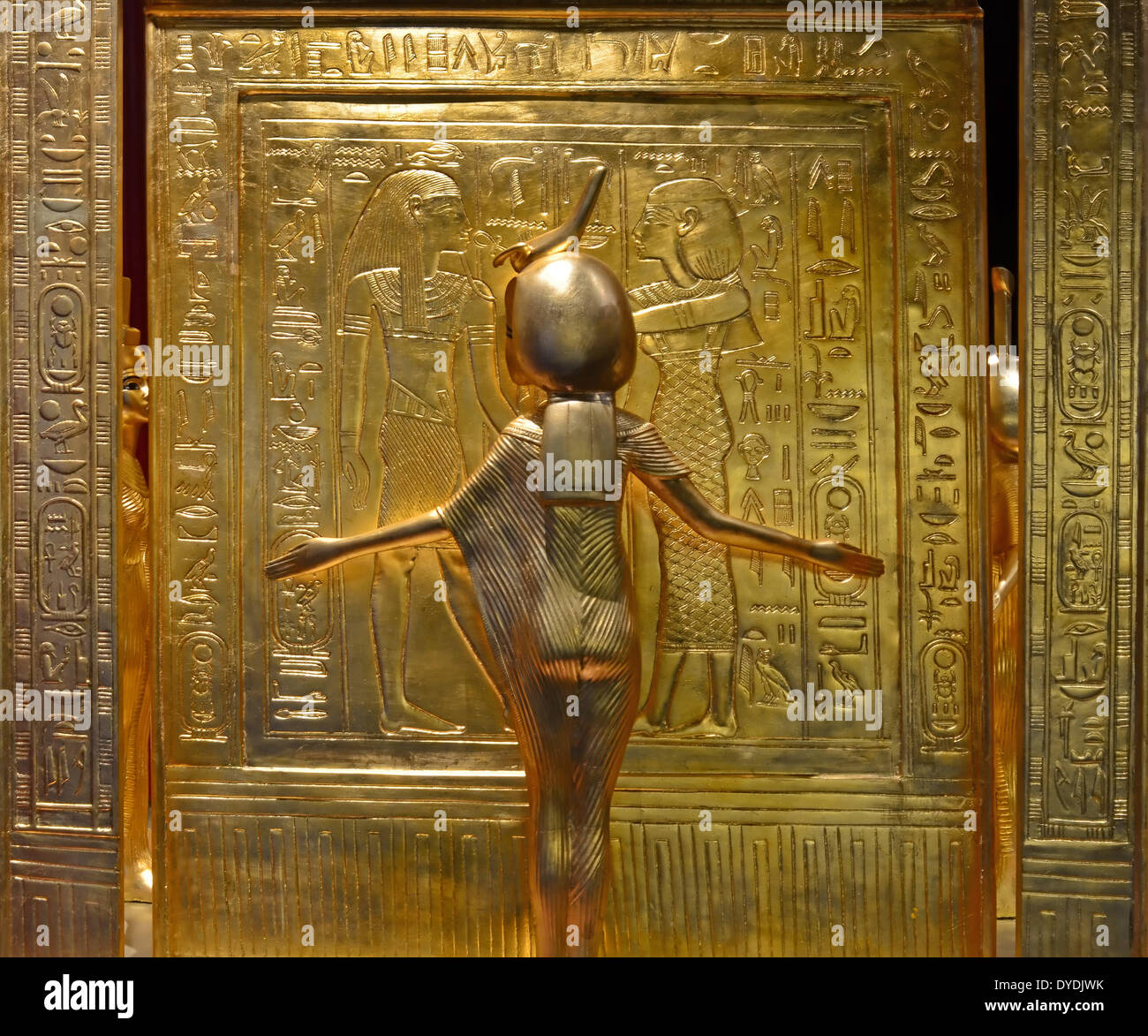 kingtut essay King tut, unraveling the mysteries of tutankhamun - egypt's boy pharaoh has fascinated the world since the first glimpse of his tomb in 1922 now modern forensics and.