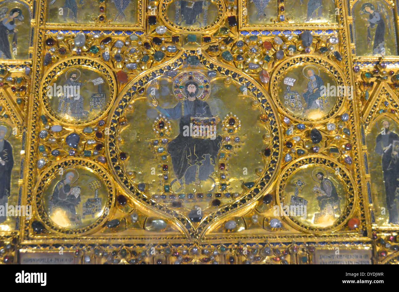 Treasure gold gems priceless pala d 39 oro art retable pala d for Pala de oro
