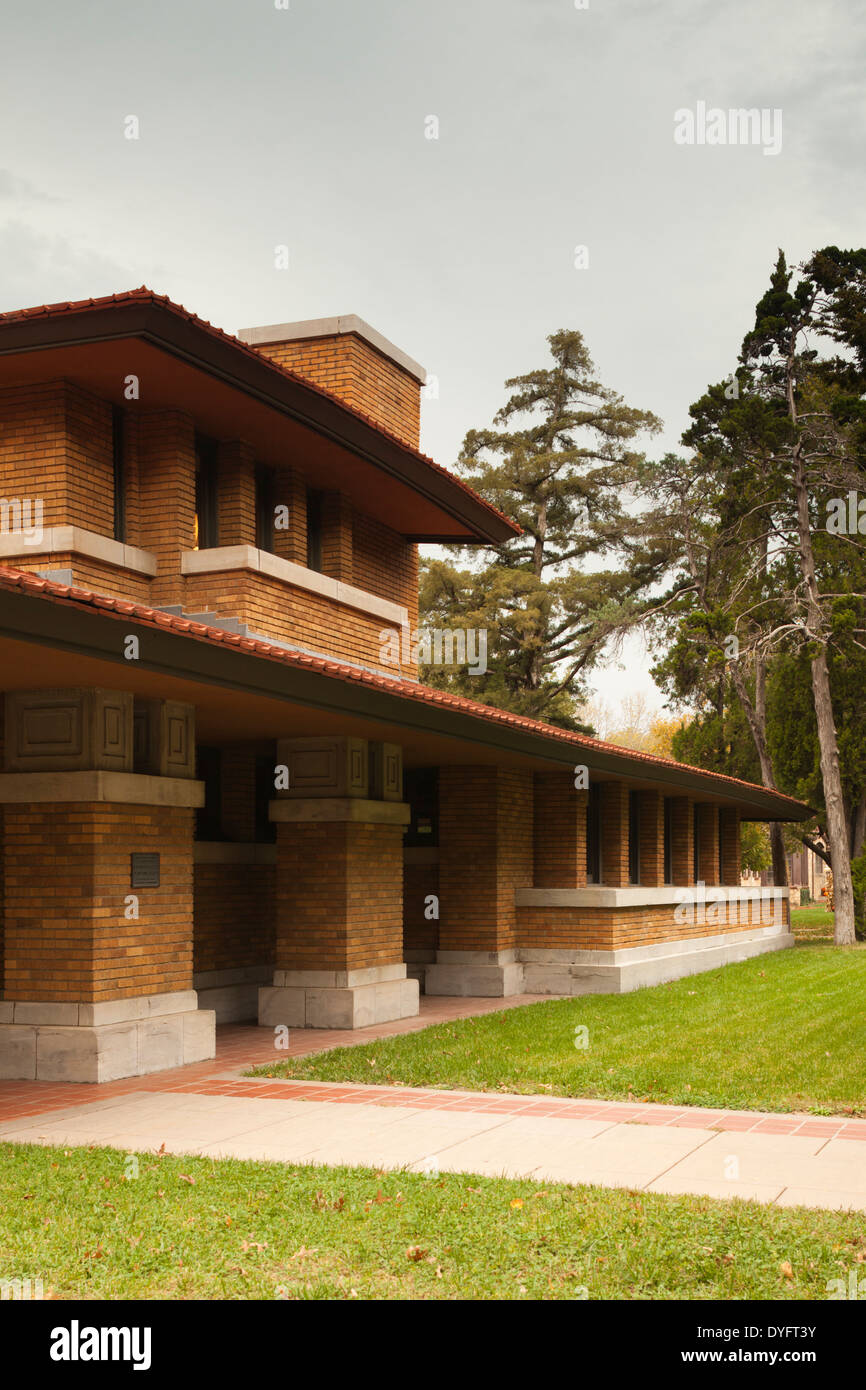 Frank lloyd wright prairie style fabulous frank lloyd for Prairie home plans frank lloyd wright
