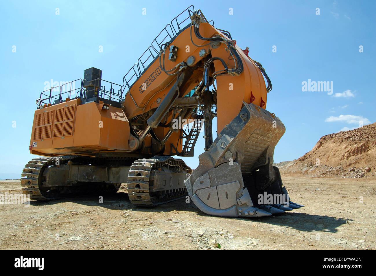 giant cat excavator - photo #27