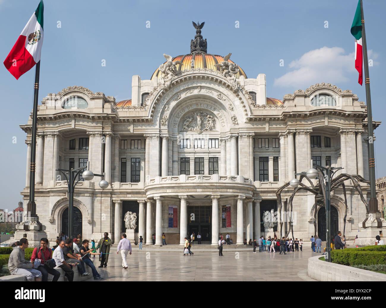 Palacio de bellas artes art deco facade alameda central for Palacio de los azulejos mexico