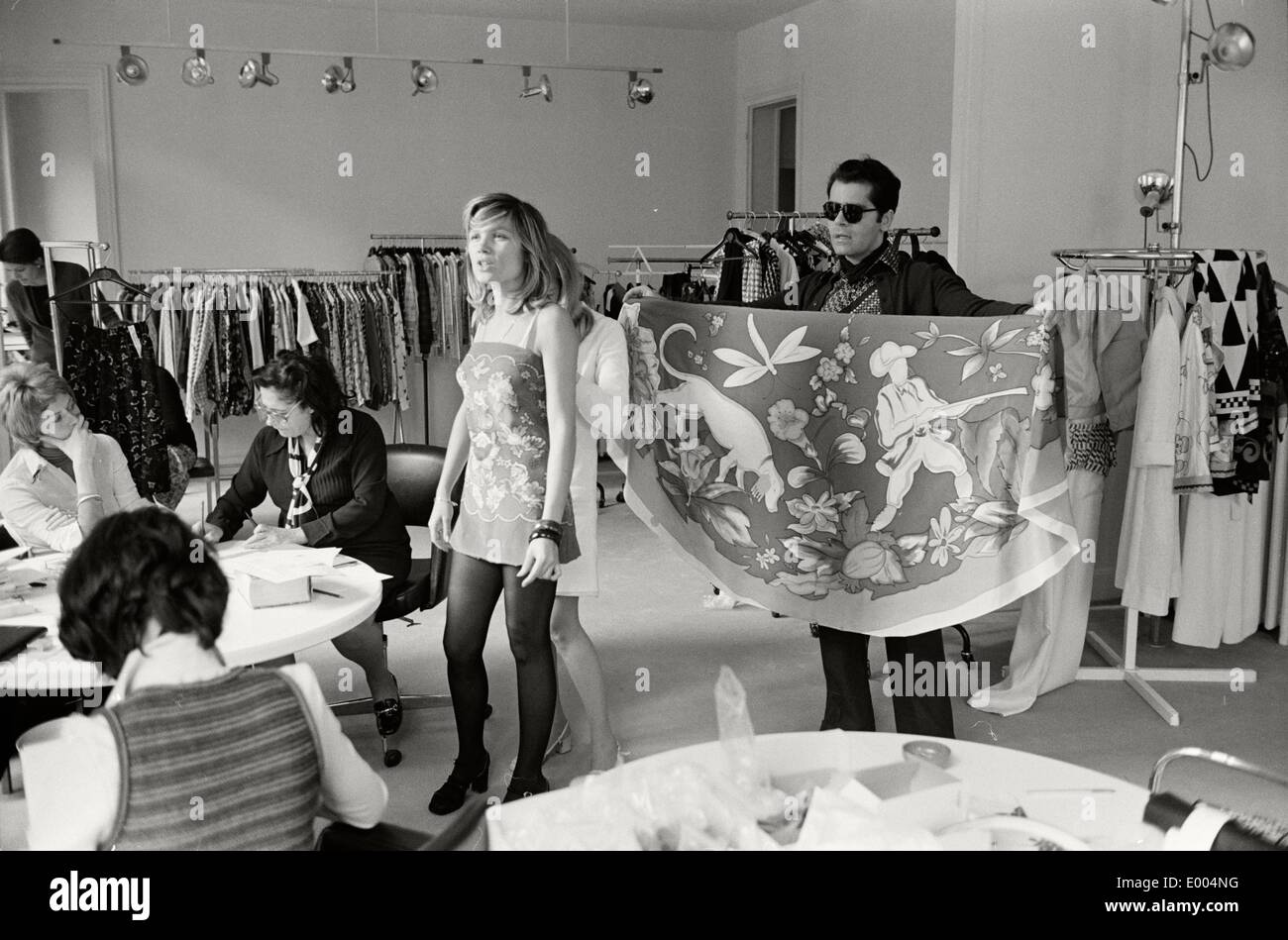 Karl lagerfeld at work at maison chloe 1972 stock photo royalty free image - Maison karl lagerfeld ...