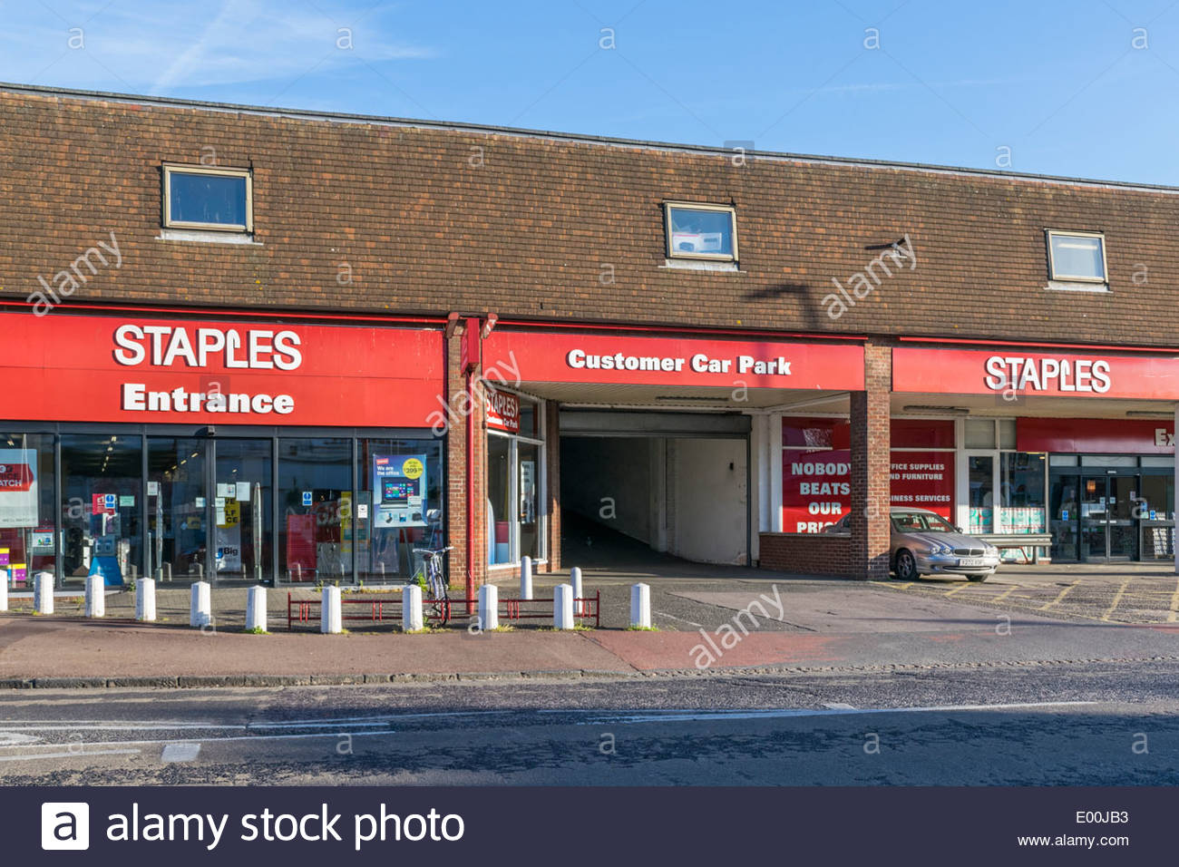 staples office supplies store at mitcham 39 s corner cambridge the stock photo royalty free. Black Bedroom Furniture Sets. Home Design Ideas