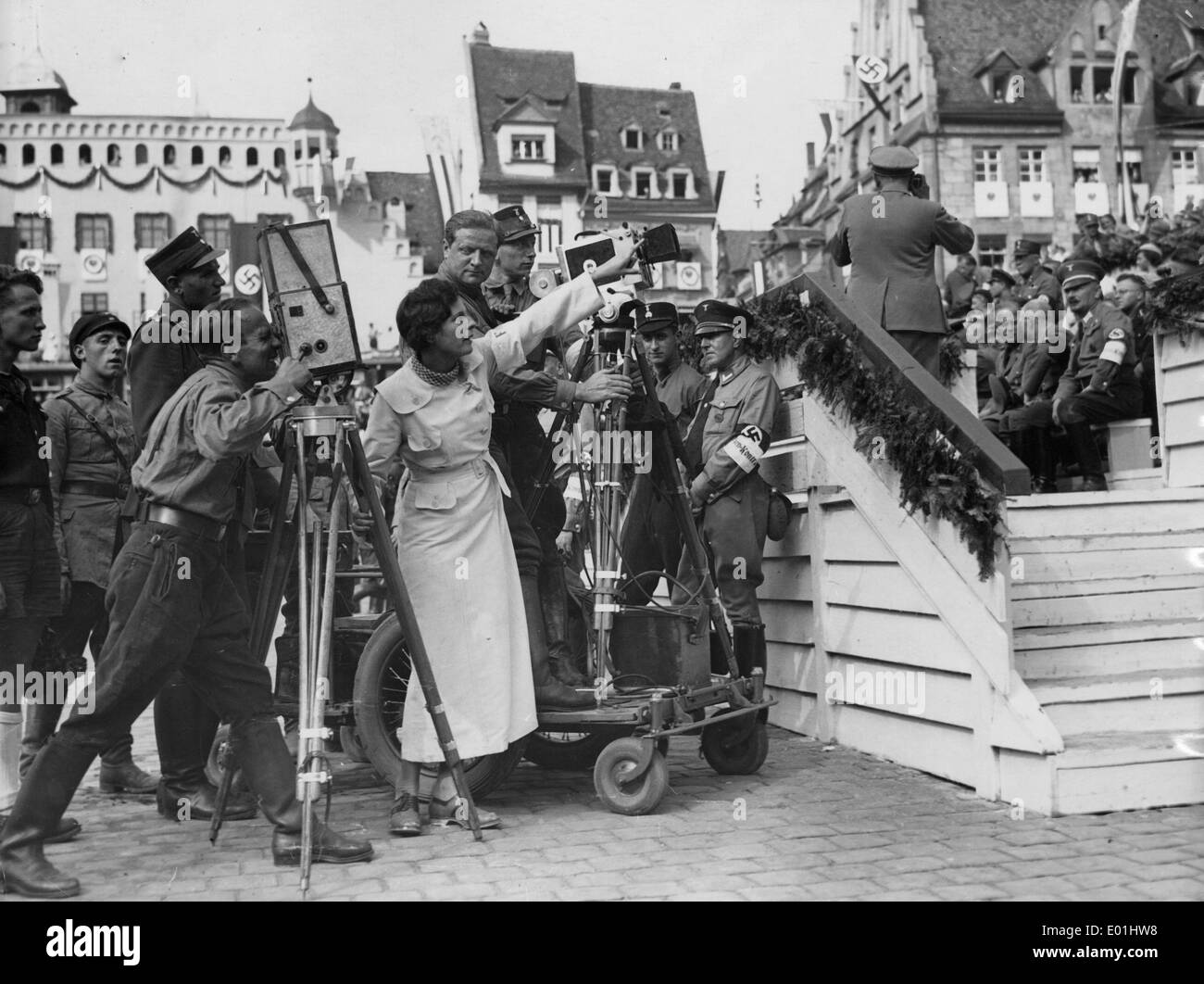 a report on triumph of the will by leni riefenstahl She quickly wrote a letter to the nazi paper völkischer beobachter, in which she  requested a  leni riefenstahl directing a scene from the triumph of the will.