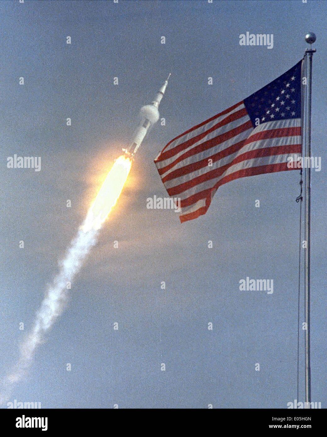 apollo 11 space mission mike - photo #31