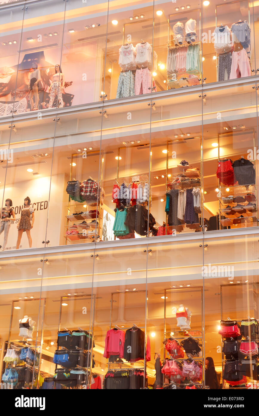 Online clothing stores La clothing stores