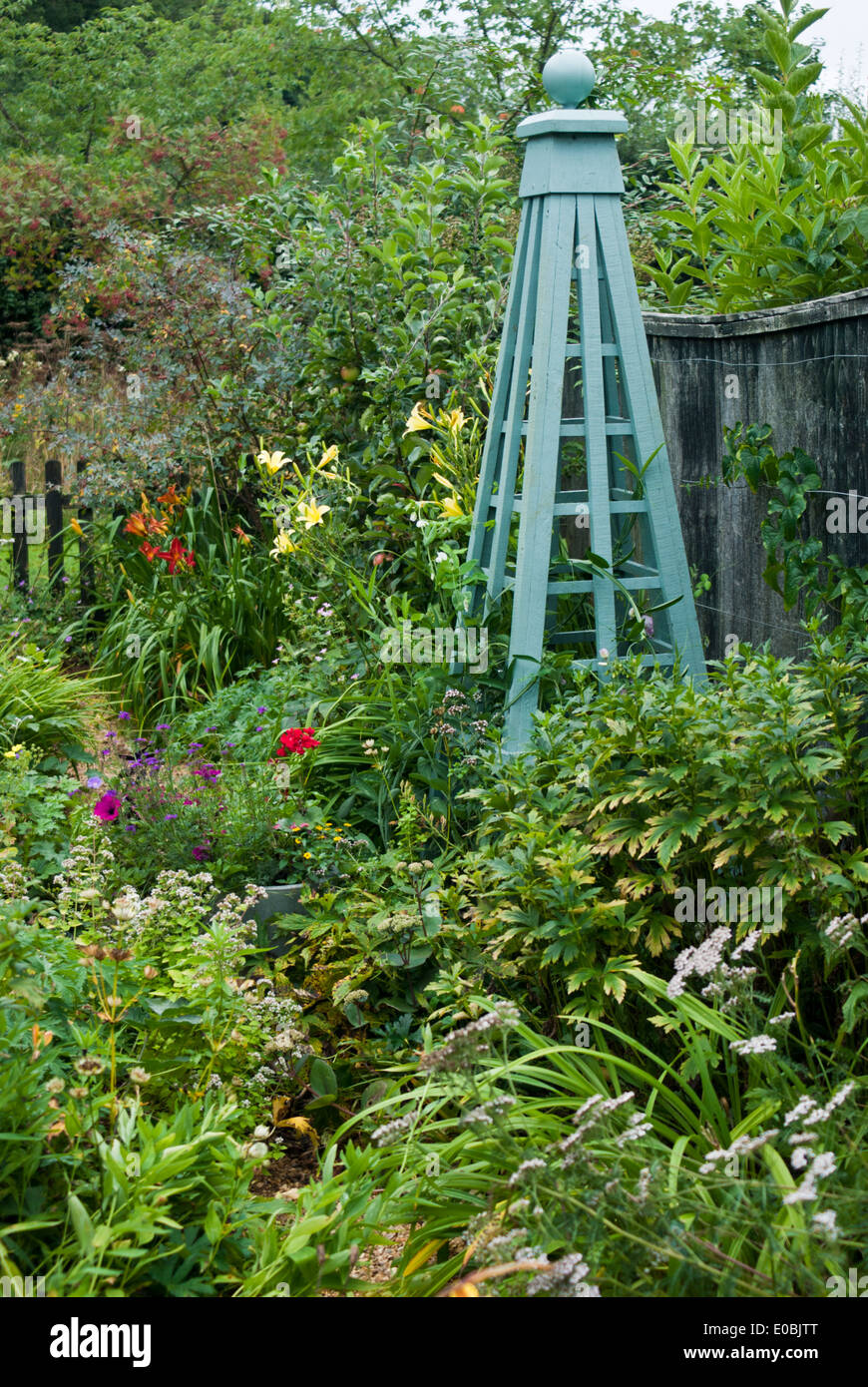 How to make a garden obelisk -  Garden Design With Garden Obelisk Stock Photos Uamp Garden Obelisk Stock Images Alamy With Gardens From