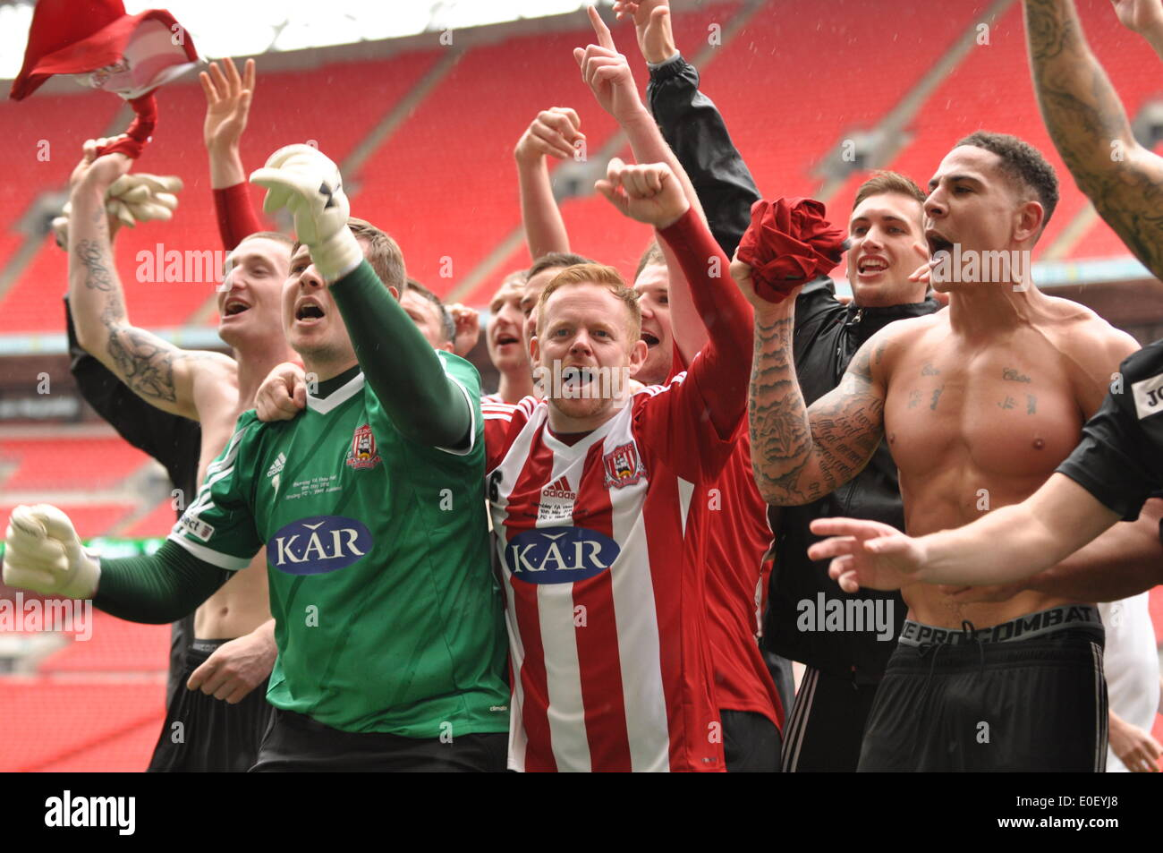 London uk 10th may 2014 sholing fc players and fans celebrate sholing fc players and fans celebrate winning the 2014 fa vase at wembley london uk sholing fc are based in hampshire and are this years reviewsmspy