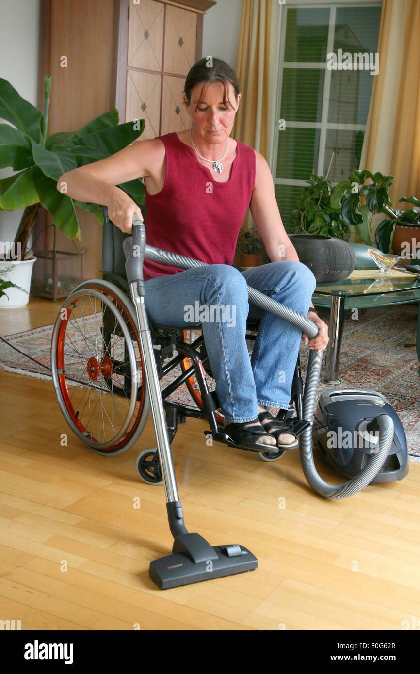 Free Wheelchair Naked Mature Tubes And Hot Wheelchair