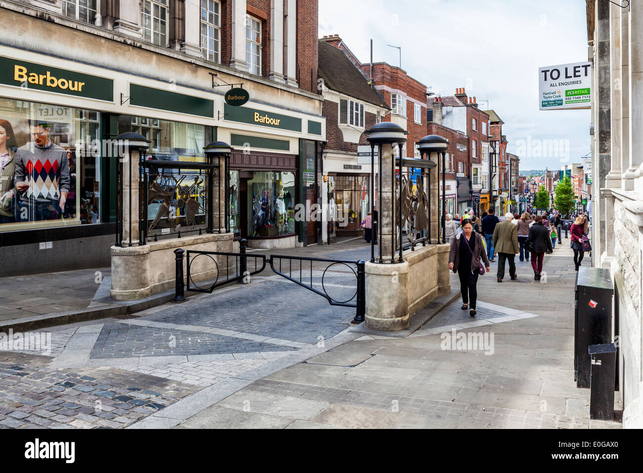 Peascod Shopping Street With Decorative Gates And Trendy Shops Windsor Berkshire Uk