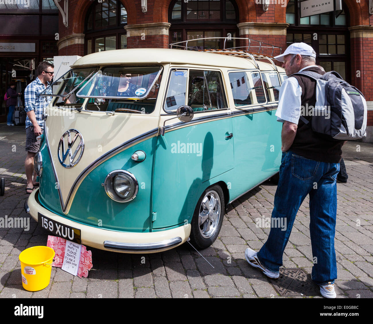 Classic Volkswagen Combi Campervan Car With Opening