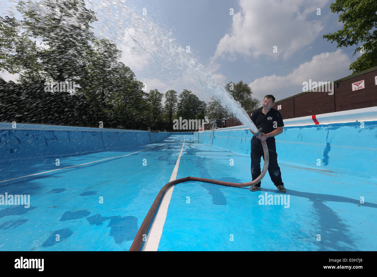 Image gallery jesus green outdoor pool Swimming pools in cambridge uk
