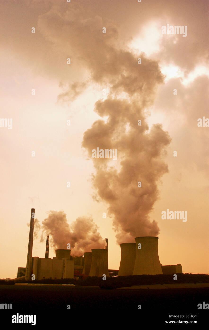 Kamin Köln germany near cologne power plant industrial smoke exhaust
