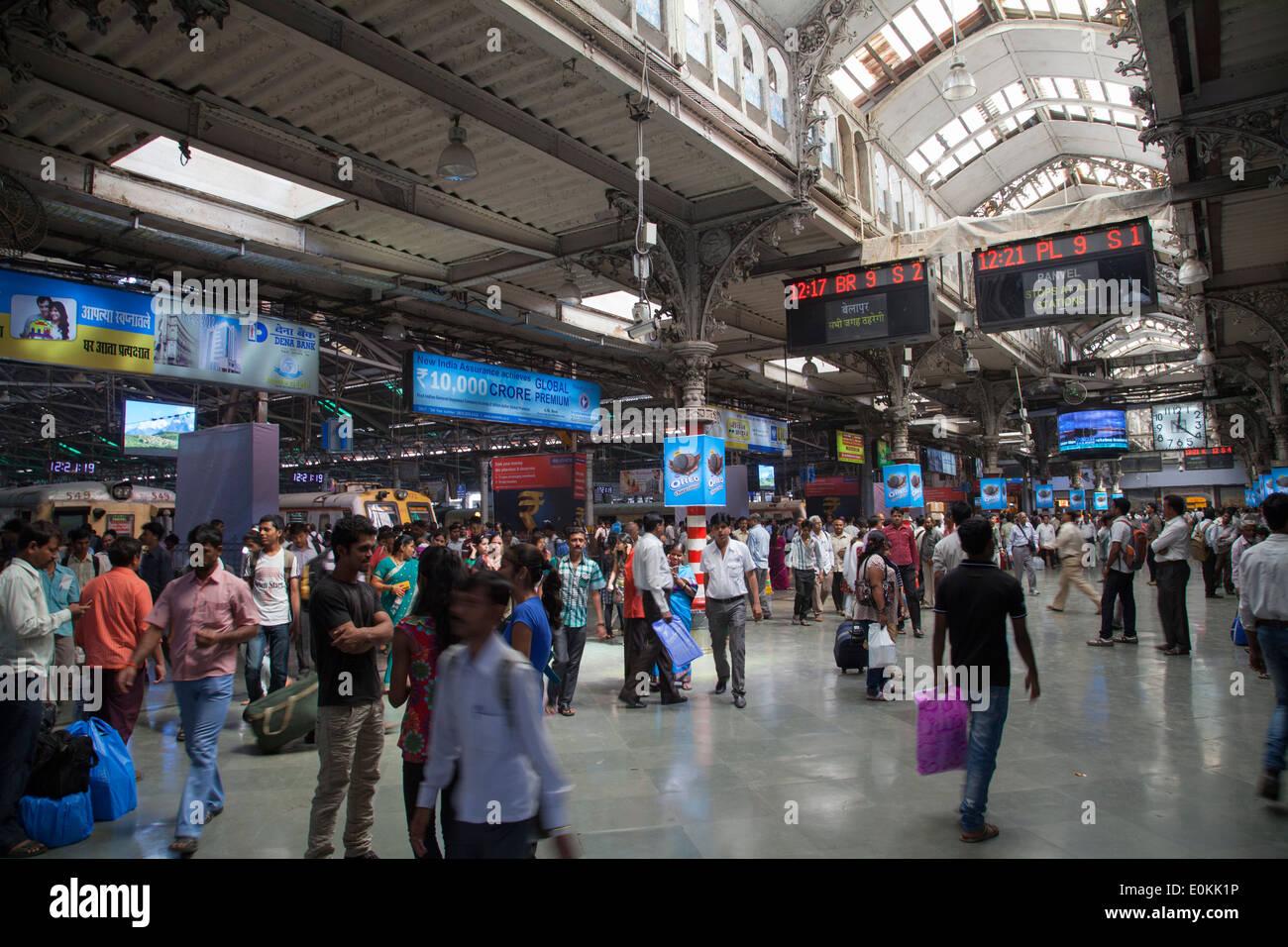 Commuters inside Victoria Terminus ( Chhatrapati Shivaji ...  Commuters insid...