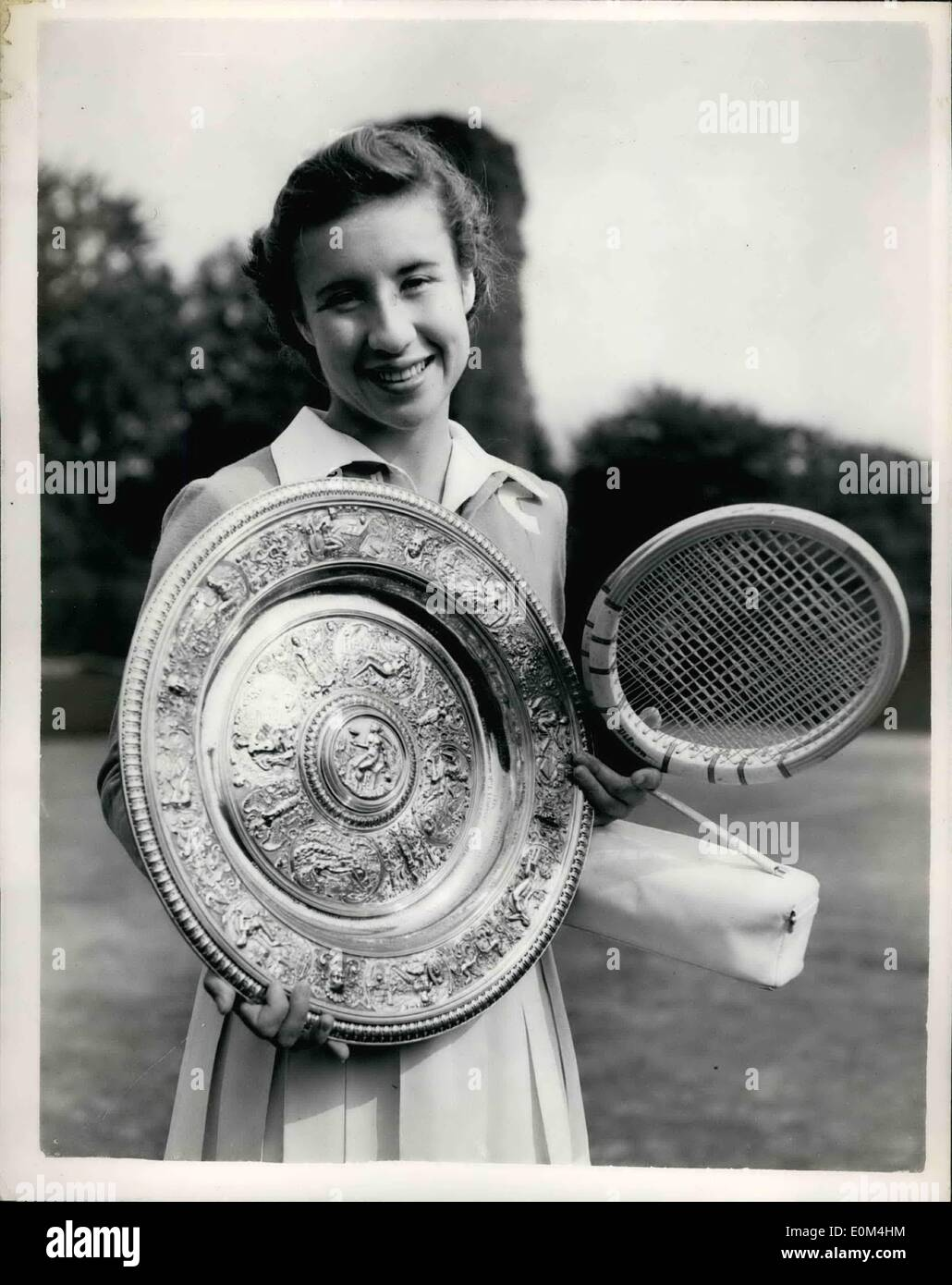 Jul 04 1953 4 7 53 Maureen Connolly wins La s Championship