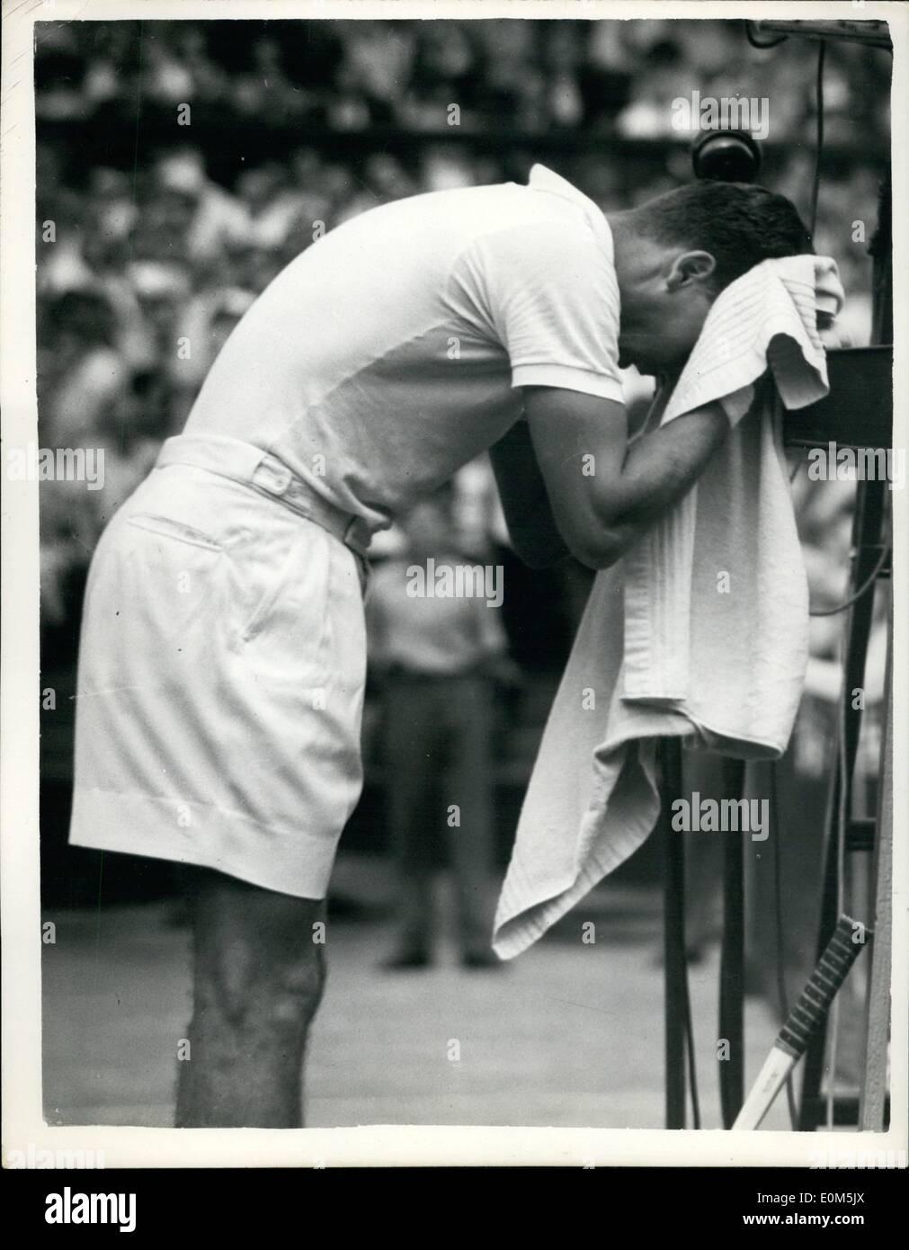 Jul 07 1953 Vic Seixas of the U S beats Mervyn Rose of