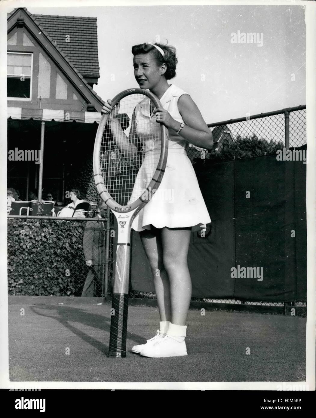 Sep 03 1953 3 9 53 Little Mo but a big racquet Miss Maureen