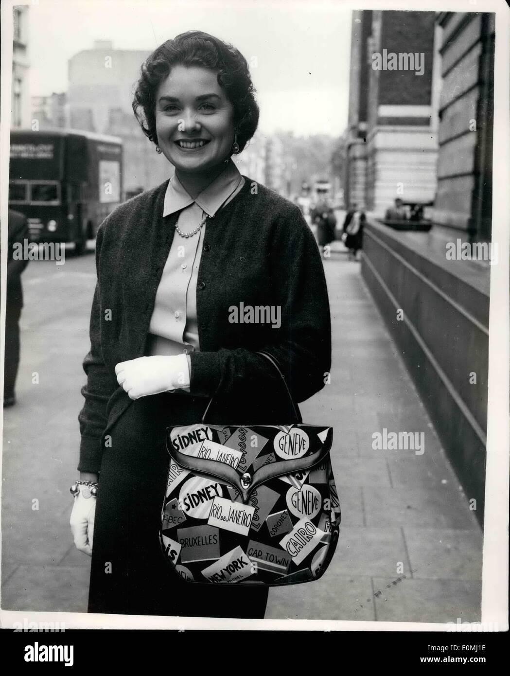 Jun 06 1955 WIMBLEDON STARS AND WIVES IN LONDON MRS VIC