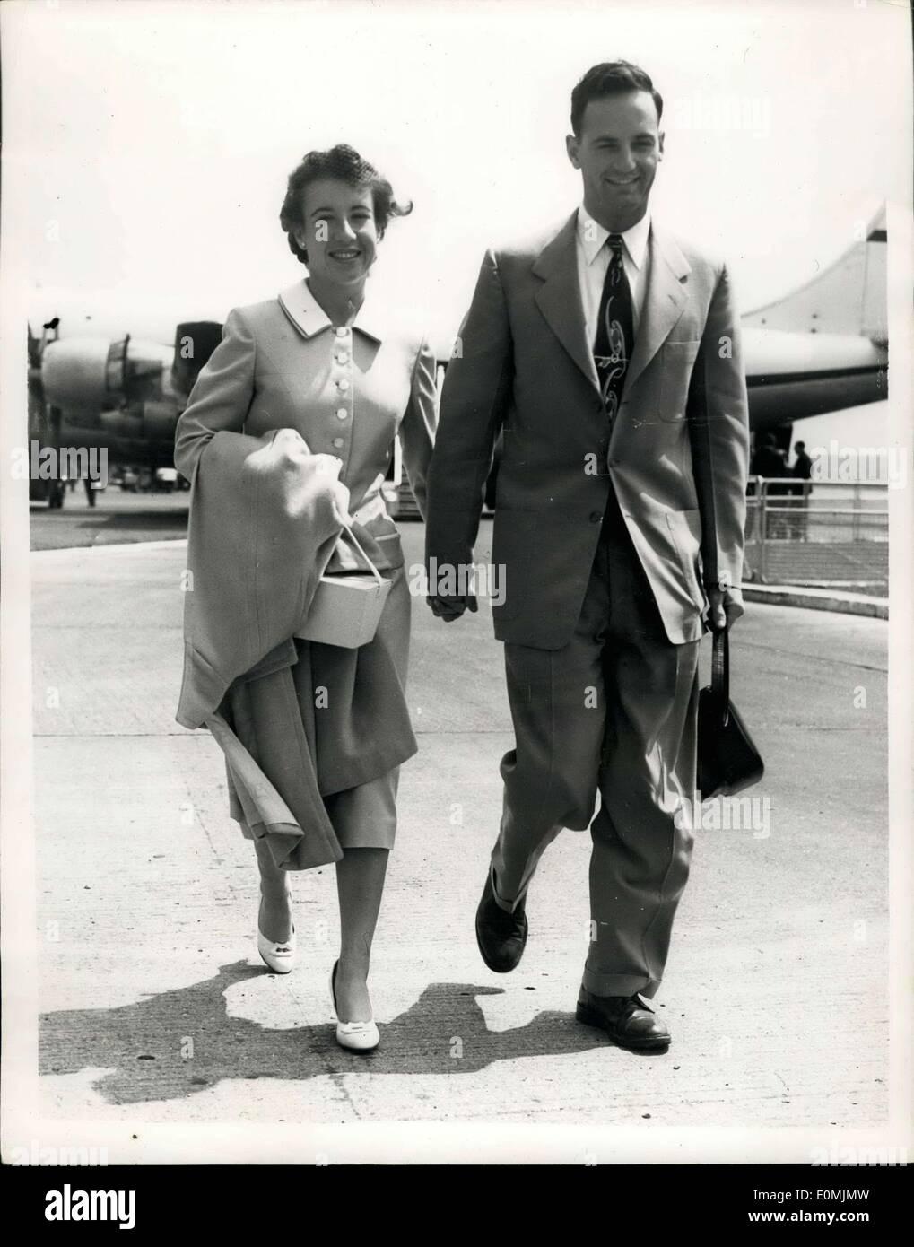 Jun 17 1955 Maureen Connolly Arrives In London Honeymoon