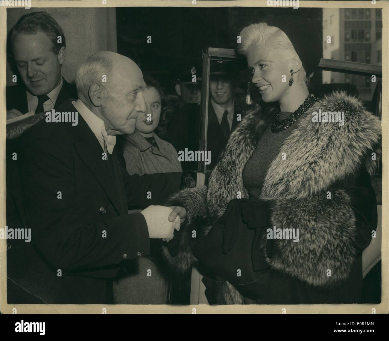 Jayne Mansfield House sep. 09, 1957 - jayne mansfield visits mansion house: photo shows