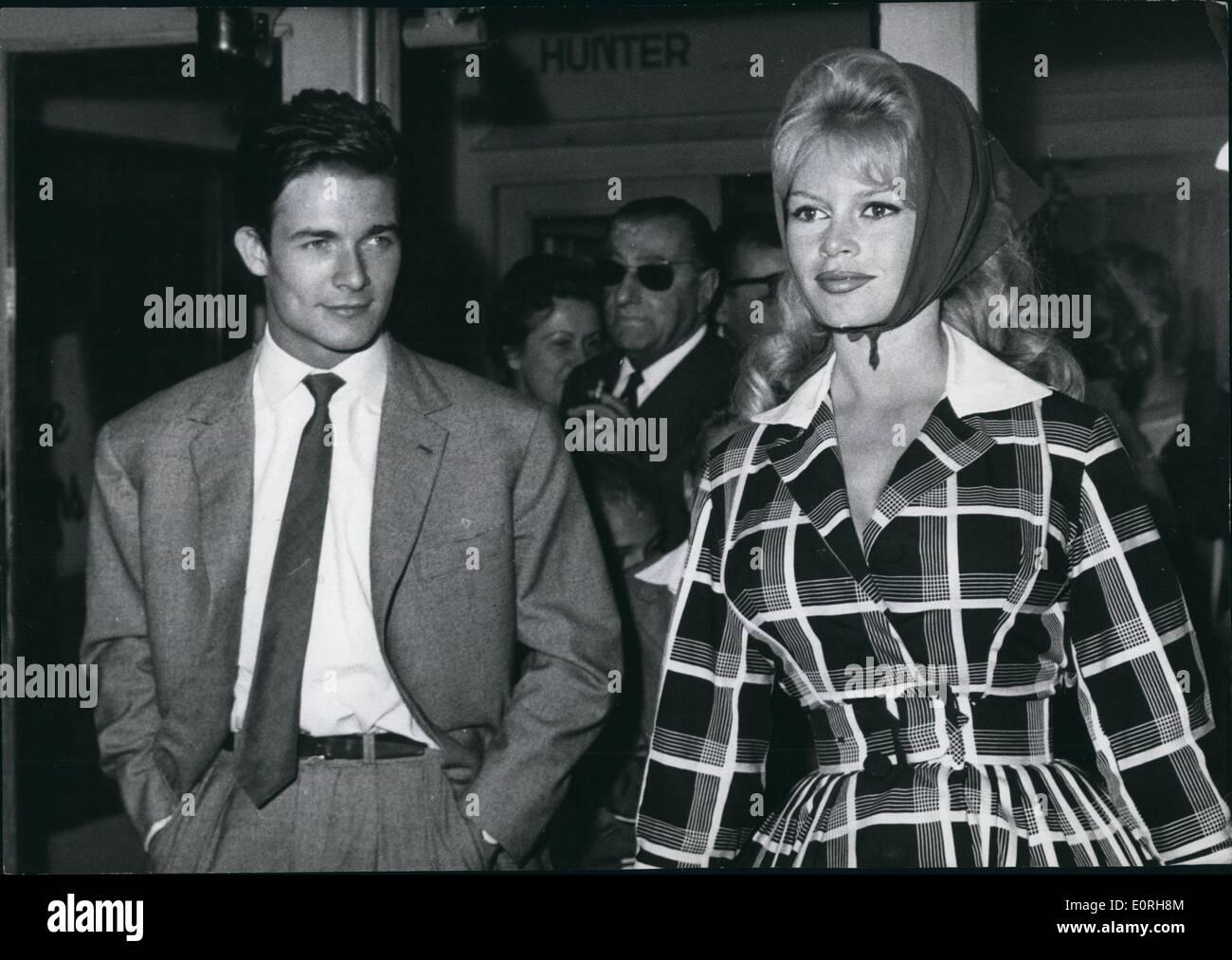 Photo du fils de brigitte bardot et jacques charrier BRIGITTE BARDOT - French New Wave Actor