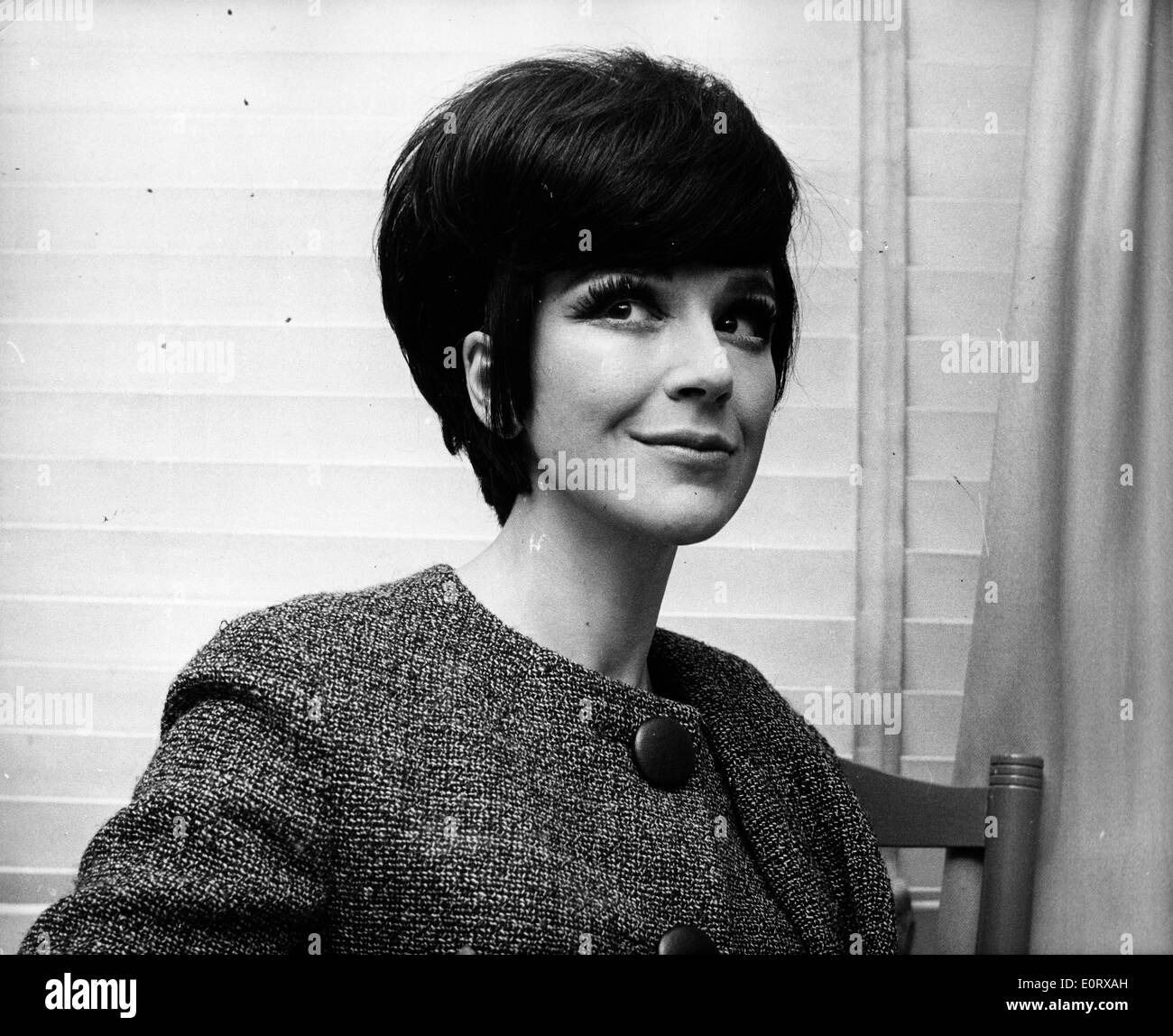 Actress Fenella Fielding sits at the table Stock Photo ...