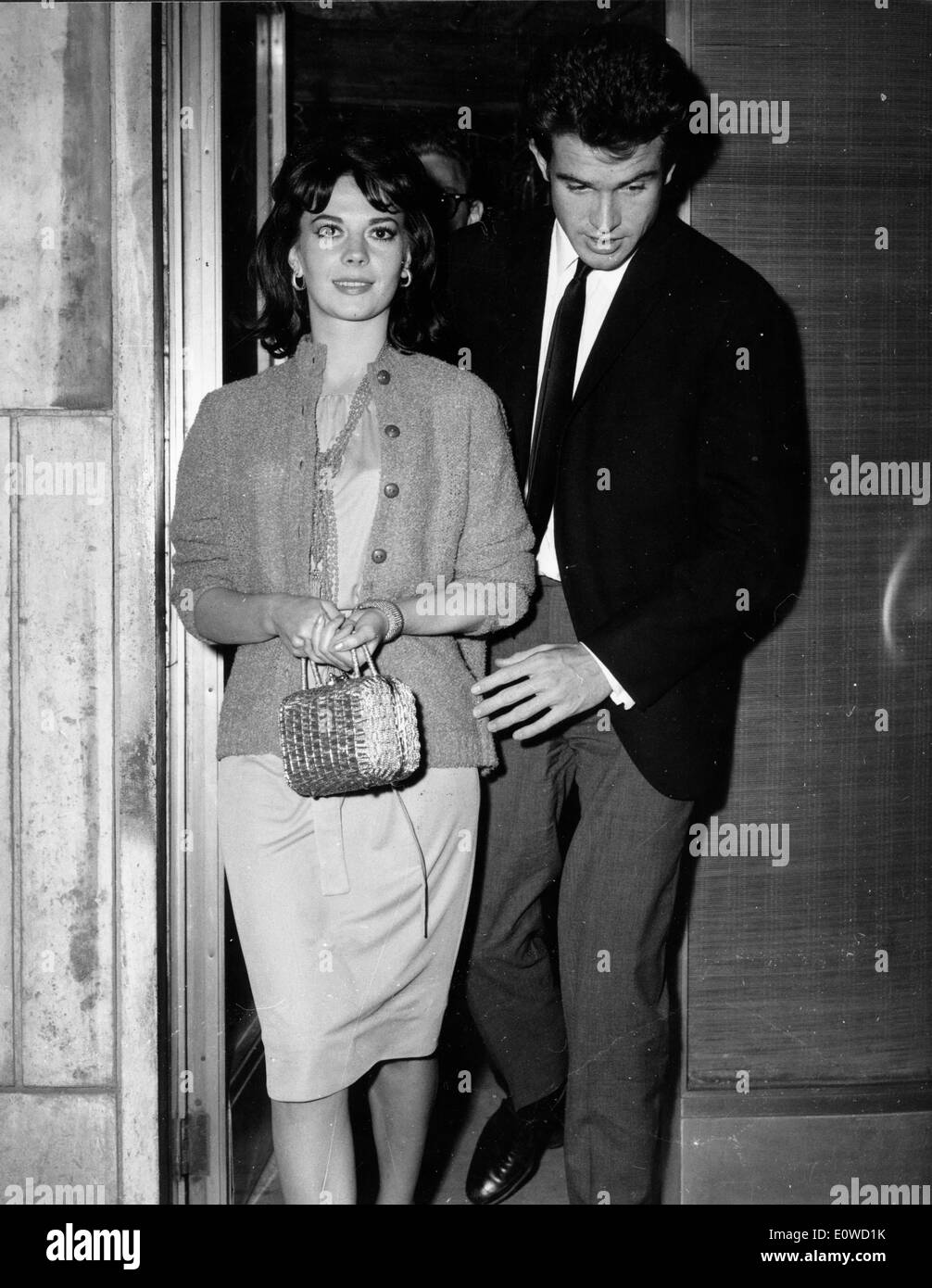 warren beatty with his fiancŽ natalie wood in rome stock
