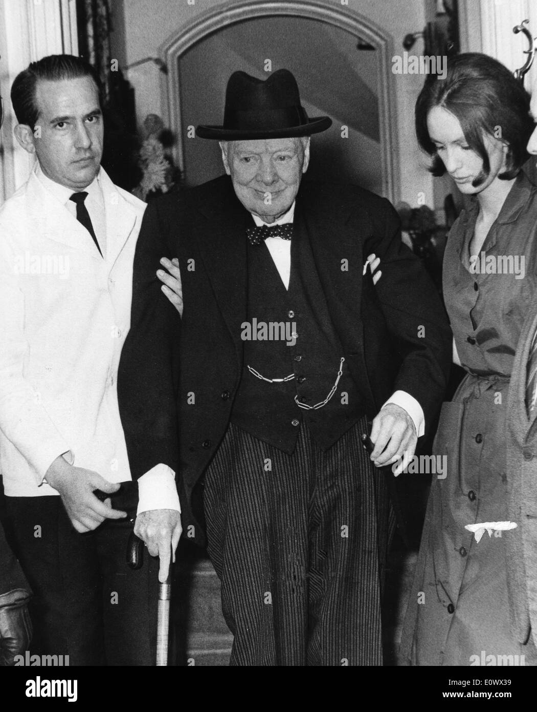 Ultima Tree >> Winston Churchill visits the House of Commons one last time Stock Photo, Royalty Free Image ...