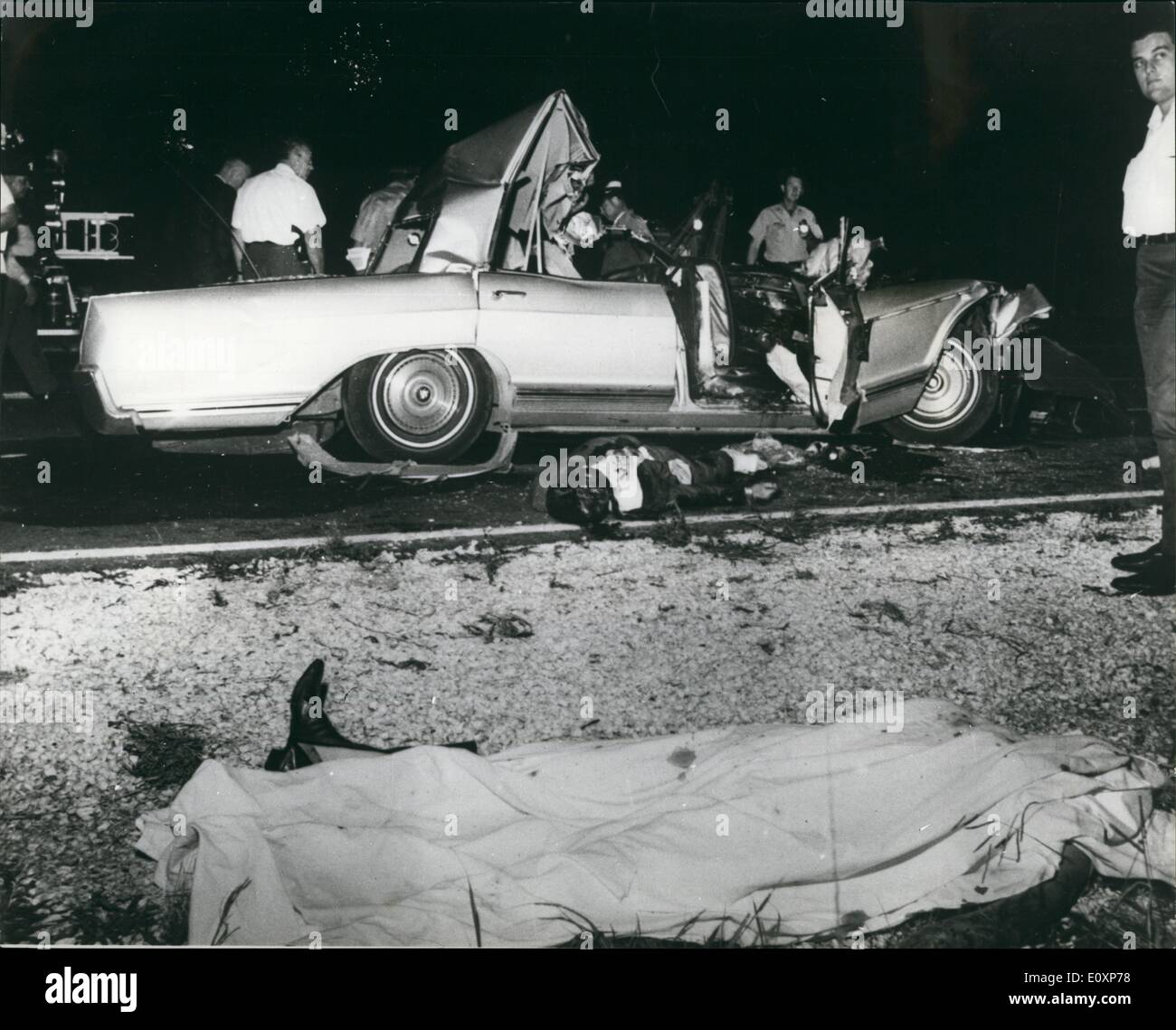 07, 1967   Jayne Mansfield Killed In Car Crash. Photo Shows The Scene After  The Crash In Which Jayne Mansfield, 33, Hollywood Actress And Cabaret  Performan ...