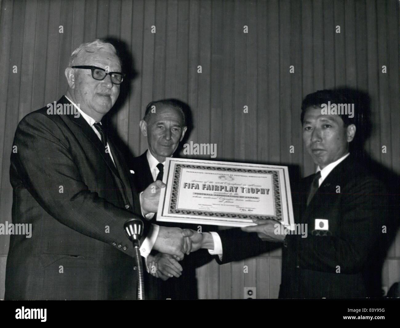 May 13 1969 Dr Sir Stanley Rous Jean Borotra & Ken Naganuna