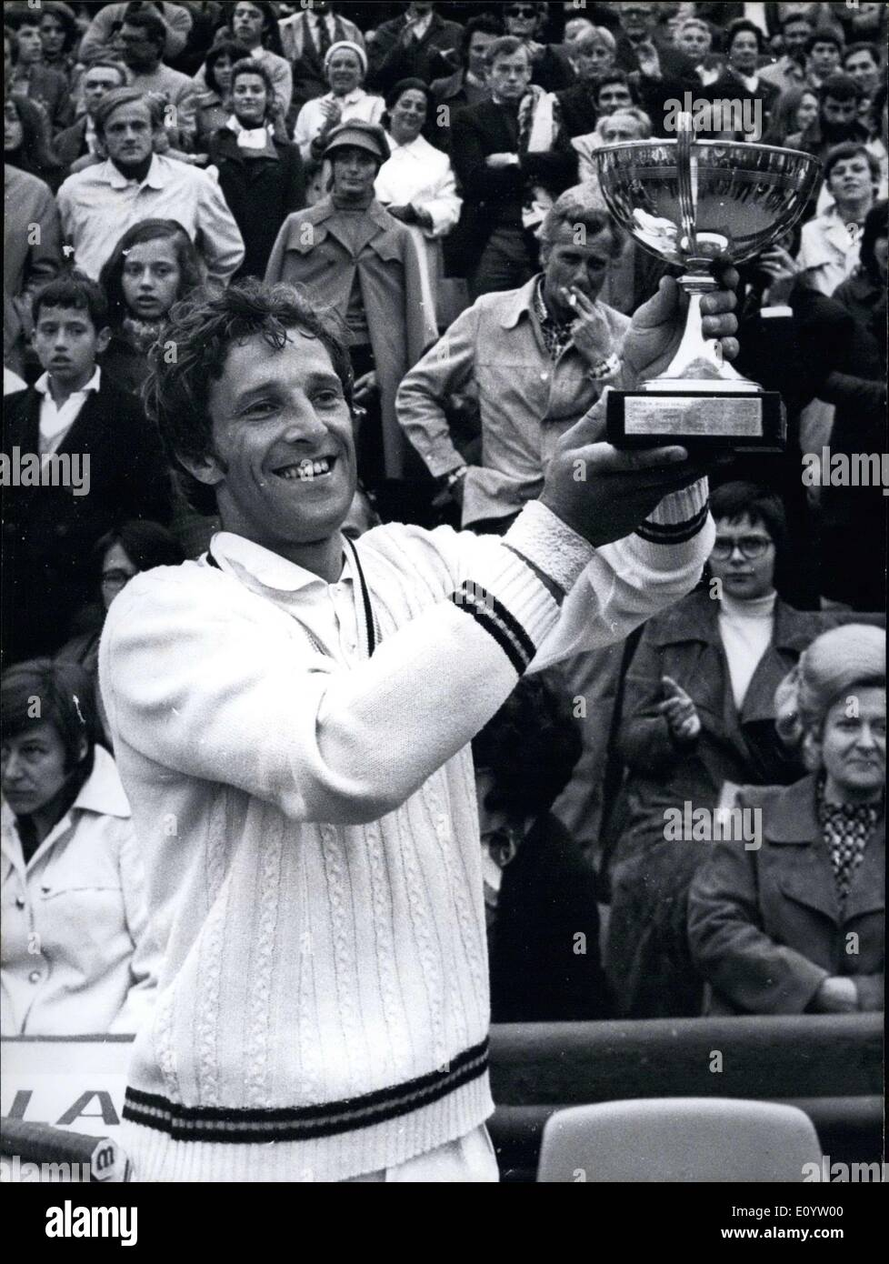 Jun 07 1971 Jan Kodes won the French Open by beating Ilie