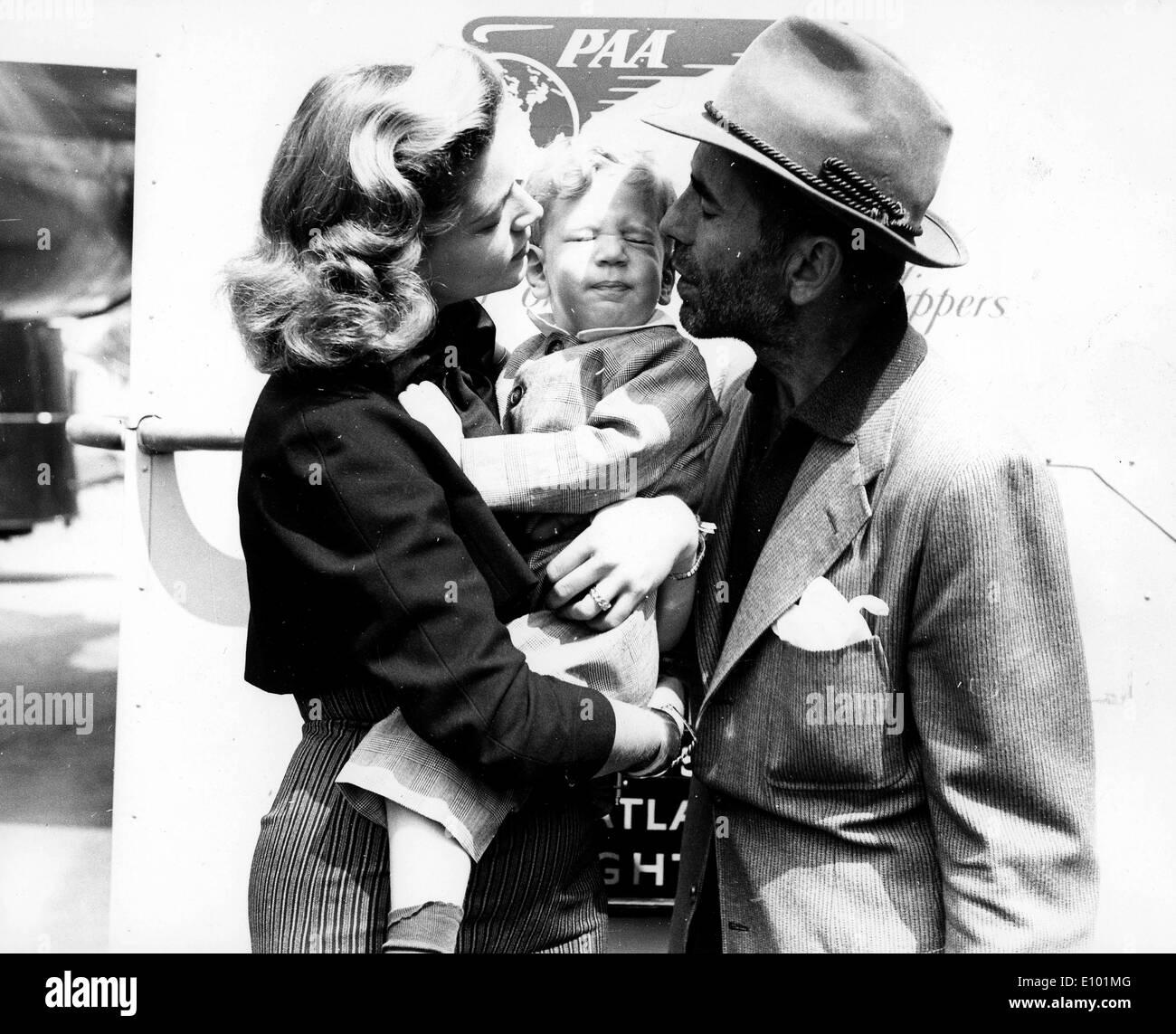 american actor humphrey bogart and wife actress lauren
