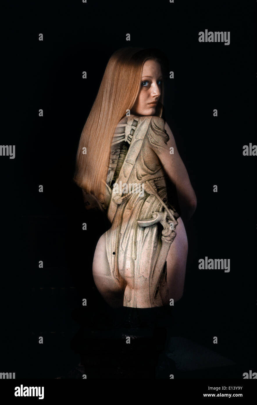 Woman Skeleton Nude 8
